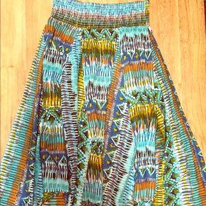 Asymmetrical skirt 🙋🏻♀️